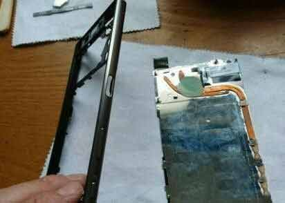 Sony Z5 Mobile Phone Battery Replacement Tutorial