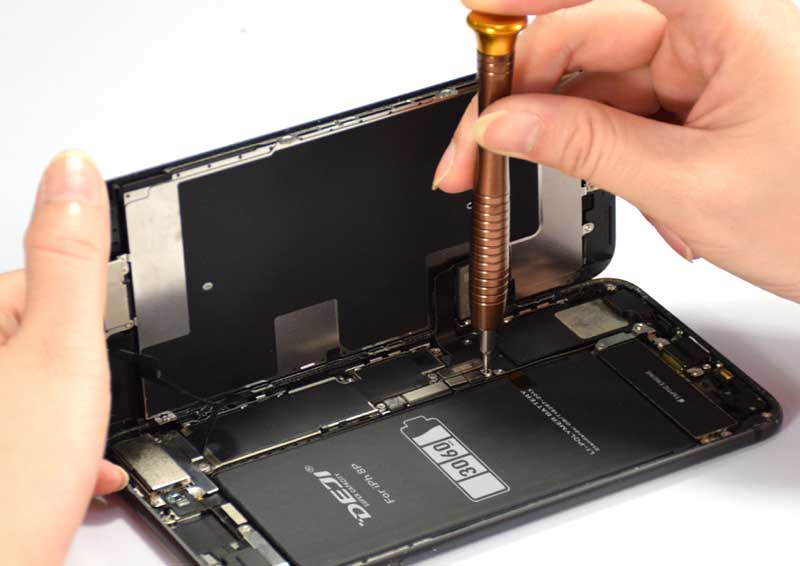 What Is The Impact Of Replacing The IPhone With A Third-Party Large-Capacity Battery? Are Third-Party Batteries Safe